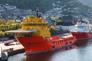 Supply båt i Bergen havn (foto: Patrick Poendl)
